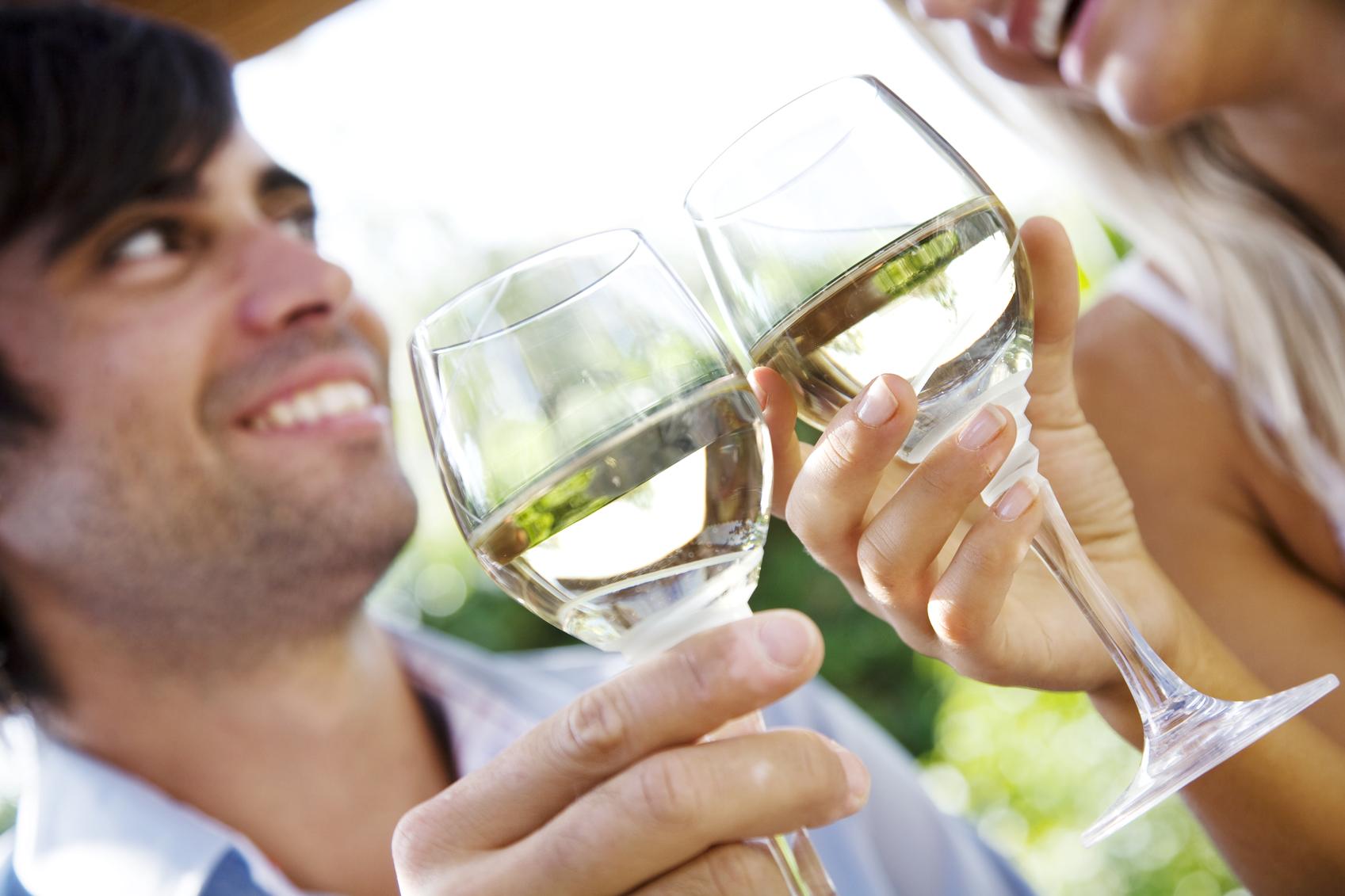 Degustación de vino blanco (Foto: istock)