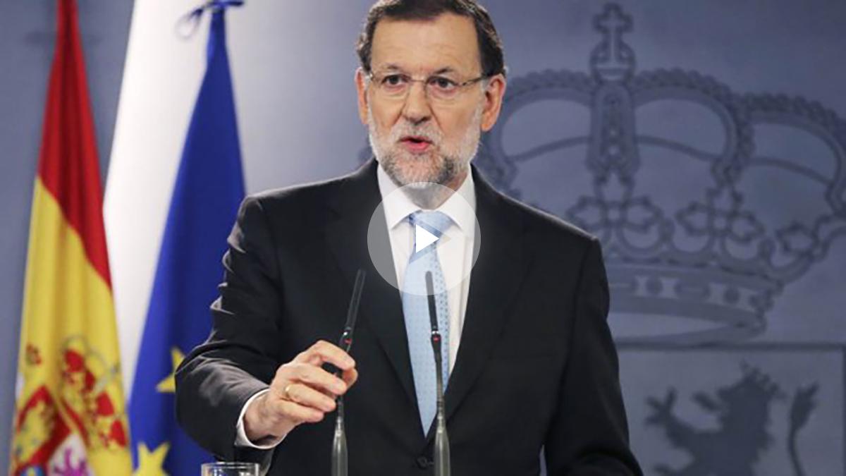 El presidente del Gobierno, Mariano Rajoy, ante la prensa. (Foto: EFE)