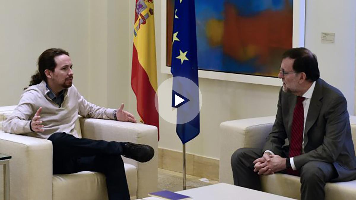 Mariano Rajoy, líder del Partido Popular, y Pablo Iglesias, líder de Podemos, durante una reunión posterior a las elecciones del 20D en la Moncloa. (Foto: AFP)
