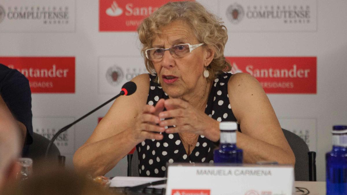 La alcaldesa Carmena este viernes en los cursos de verano de El Escorial. (Foto: Madrid)