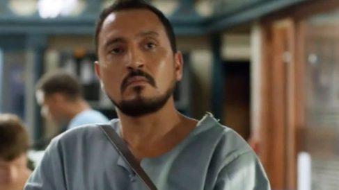 El actor en una escena de la serie El Príncipe.
