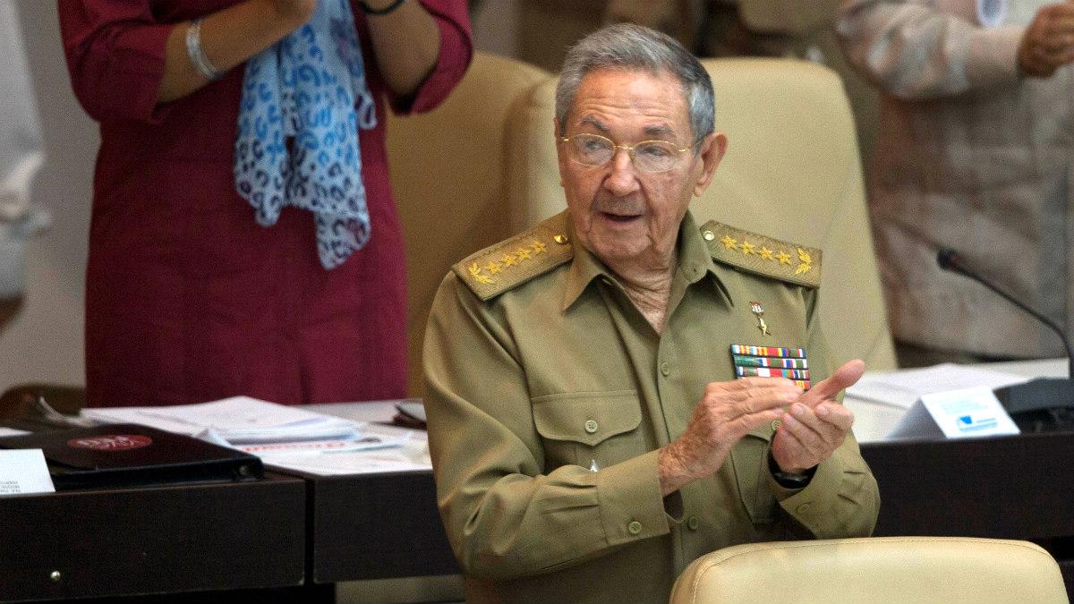 El dictador cubano Raúl Castro se dirige a la Asamblea Nacional. (Reuters)