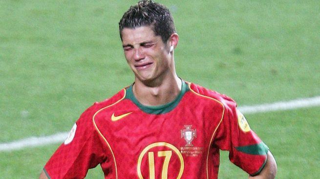 cristiano-llora-perder-final-eurocopa-2004