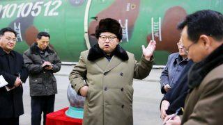 Kim Jong-un en un centro de armamento nuclear en Corea del Norte (Foto: Reuters)