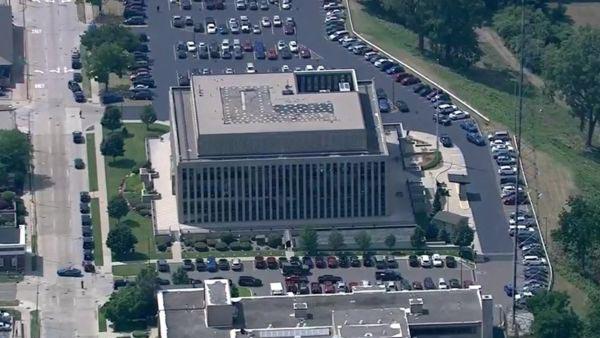 Vista aérea del edificio del tribuna donde ha tenido lugar el tiroteo.