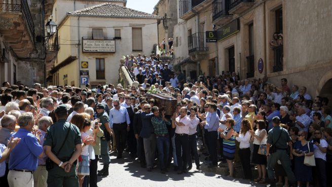 El Colegio de Enfermería estudia medidas contra la enfermera que celebró la muerte de Víctor Barrio