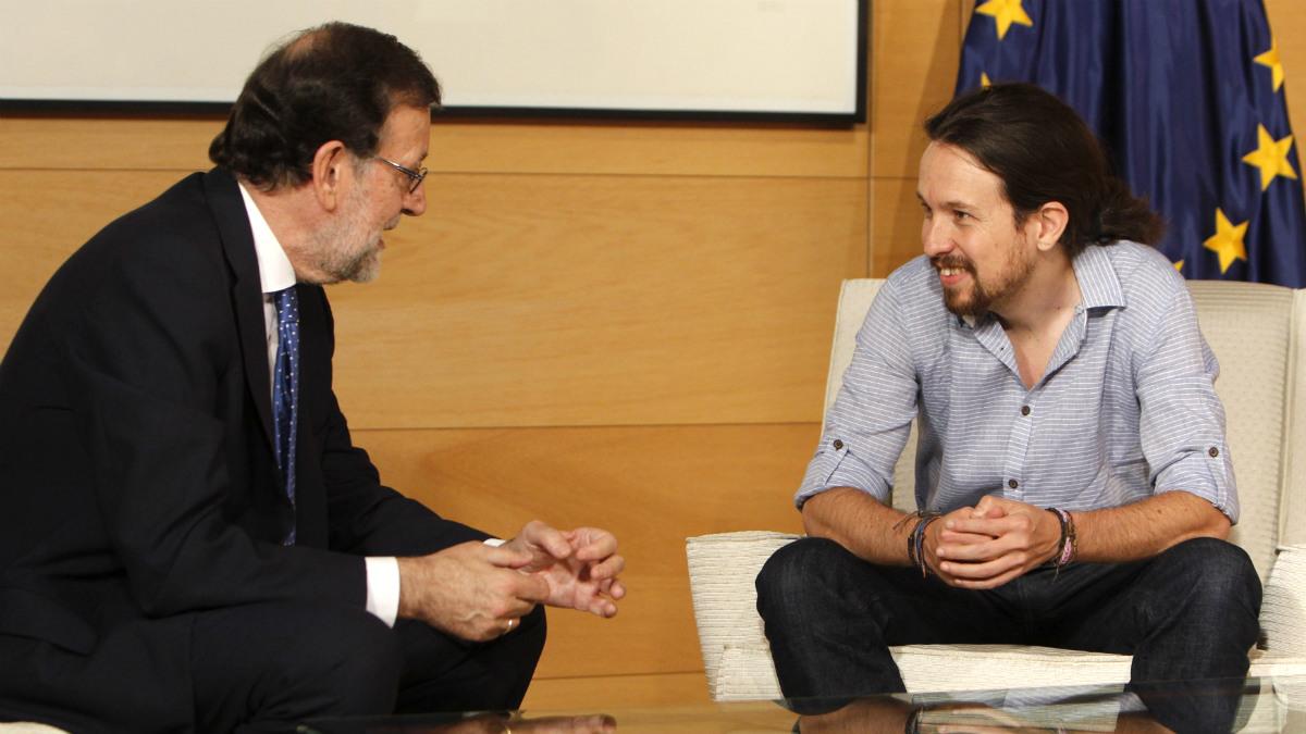 Mariano Rajoy y Pablo Iglesias, durante un encuentro en el Congreso. (EFE)