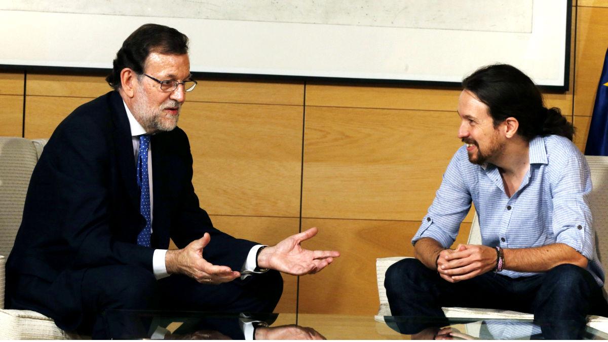 Mariano Rajoy y Pablo Iglesias reunidos en el Congreso. (FOTO: EFE)