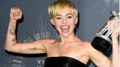 Miley Cyrus y sus tatuajes (Twitter)