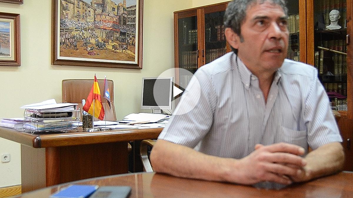 Ramón López, alcalde de Sepúlveda, durante la entrevista con OKDIARIO.