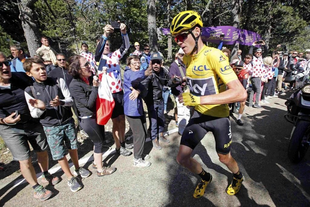 Chris Froome corriendo en el Mont Ventoux