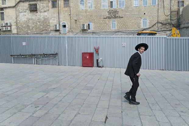 El Muro de las Lamentaciones en Jerusalén a la espalda del fotógrafo. (Foto: O. Curtis)
