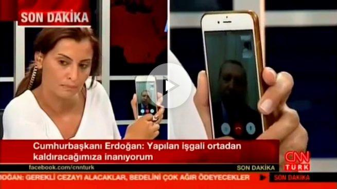 El presidente Erdogan pide por teléfono a la gente que salga a la calle a protestar
