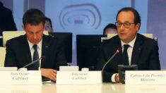 El primer ministro, Manuel Valls, y el presidente francés, François Hollande, en el gabinete de crisis en París.