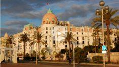 El lujoso Hotel Negresco, en Niza.  (Anna M. Stevenson)
