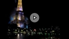 Incendio a los pies de la Torre Eiffel durante la crisis del atentado en Niza.