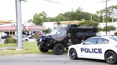 Agentes de la policía y la oficina del Sheriff en el lugar del tiroteo. (Foto: Reuters)