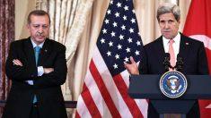 Recep Tayyip Erdogan y John Kerry el pasado mes de mayo (Getty)