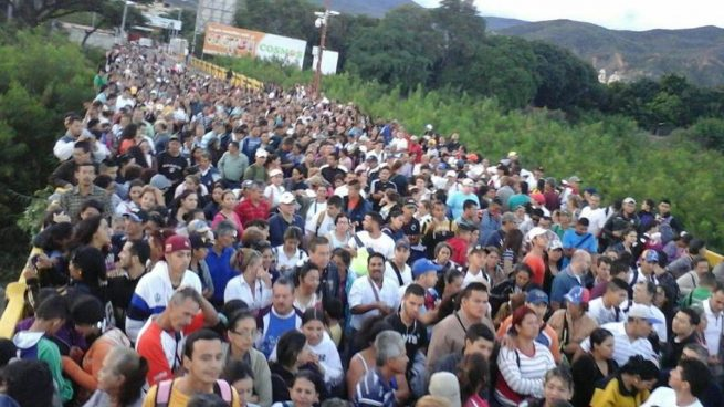 Colombia anuncia que los venezolanos que han llegado huyendo de Venezuela rozan ya el millón