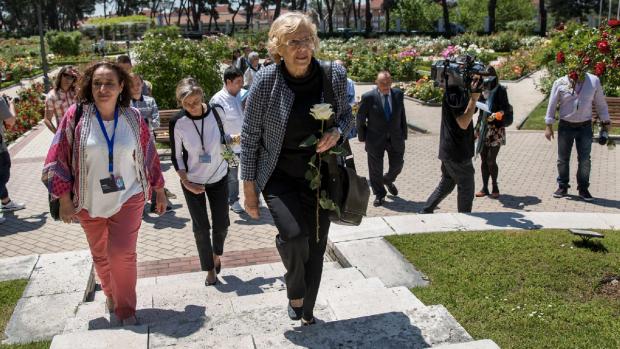 La política de 72 años en un concurso internacional de rosas. (Foto: Madrid)