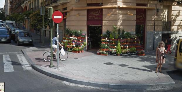 Floristería que ha emprendido la guerra contra Carmena. (Foto: GM)
