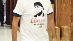 Camiseta de Diego Cañamero en su estreno como diputado. (Foto: EFE)