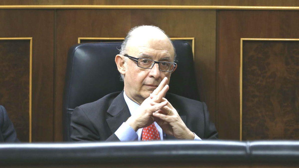 El ministro de Hacienda, Cristóbal Montoro. (Foto: EFE)