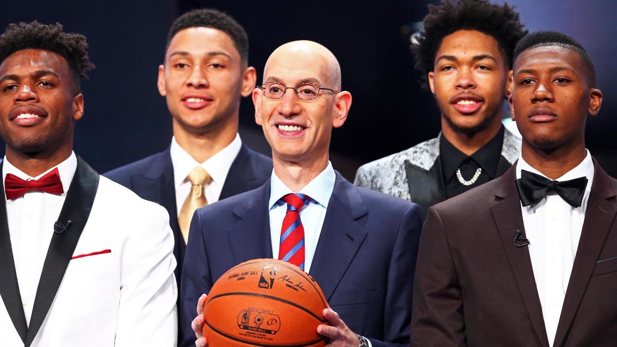 Adam Silver con los jugadores más destacados en el último Draft (Reuters)