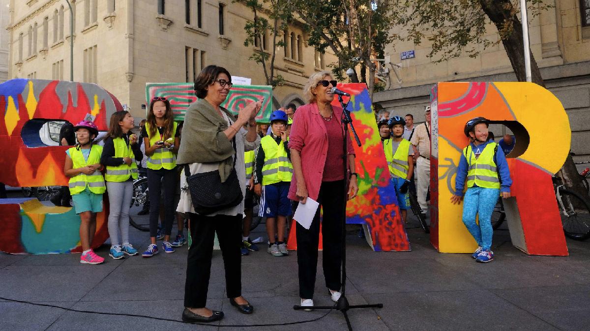 Carmena con Sabanés, concejal de Medio Ambiente. (Foto: Madrid)