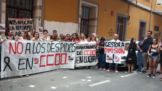 Protesta de los trabajadores de CCOO en Murcia