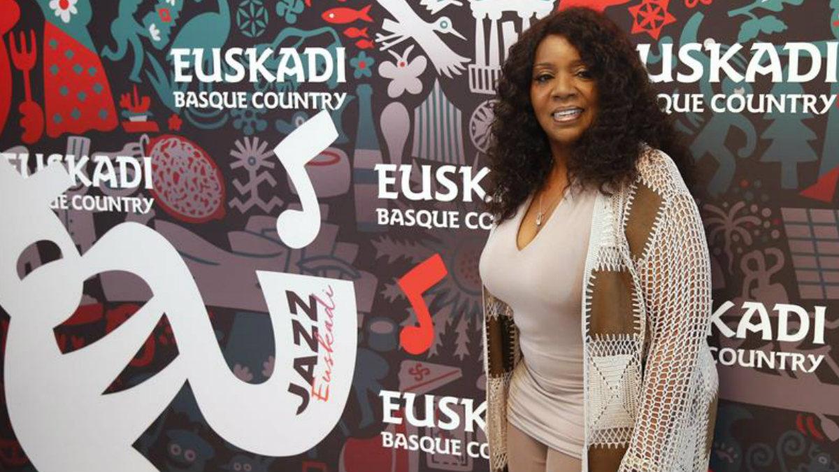 La cantante Gloria Gaynor durante la rueda de prensa previa a su concierto en el 51 Heineken Jazzaldia de San Sebastián. (Foto: EFE)