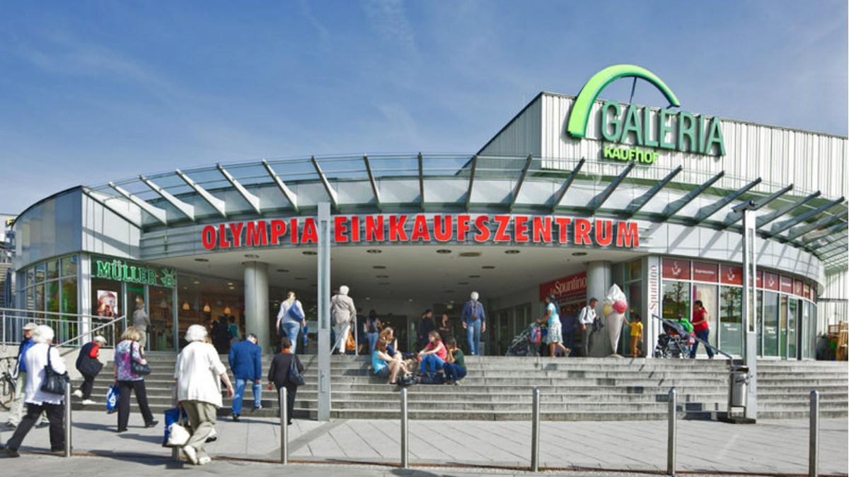 Fachada del centro comercial donde se registró un tiroteo en Alemania.