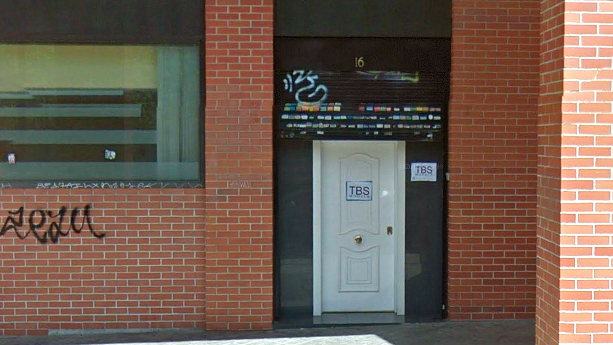 Fachada de la sede de la academia de modelos (Foto: Efe).