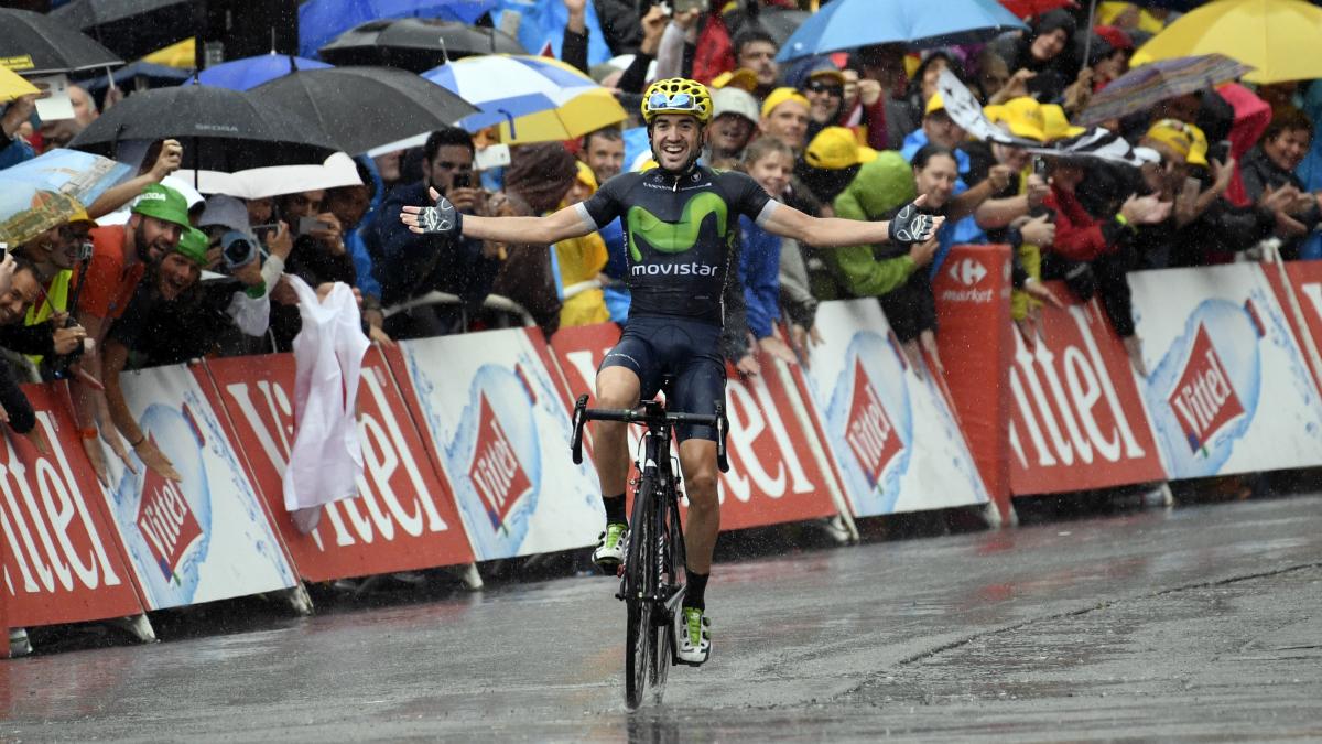 Ion Izaguirre celebra su victoria en el Tour. (AFP)