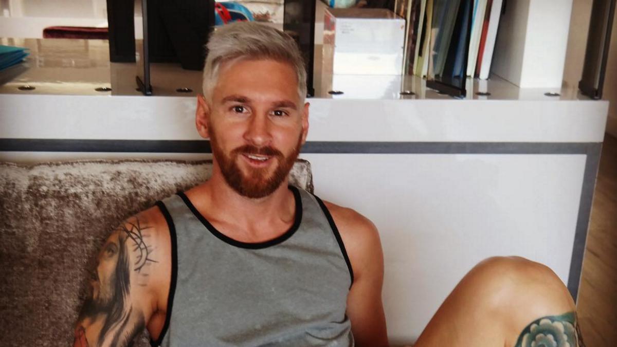 Messi se tiñe el pelo de rubio platino. (Instragram de Antonella Roccuzzo)