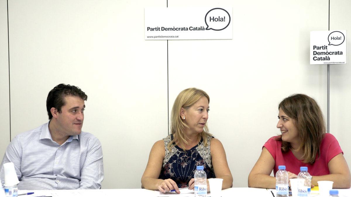 David Bonvehí, Neus Munté y Marta Pascal en la reunión del PDC (Foto: Efe).