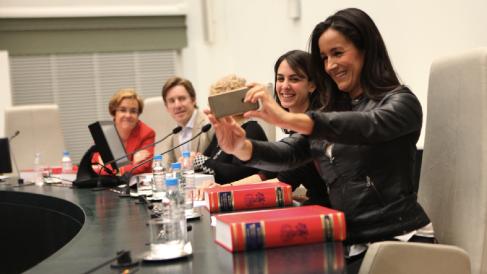 Los portavoces de PSOE (Puri Causapié), Ahora Madrid (Rita Maestre) o Ciudadanos (Begoña Villacís). (Foto: Madrid)
