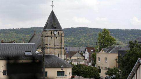 La iglesia de Saint Etienne en Normandía asaltada por los terroristas del ISIS. (AFP)