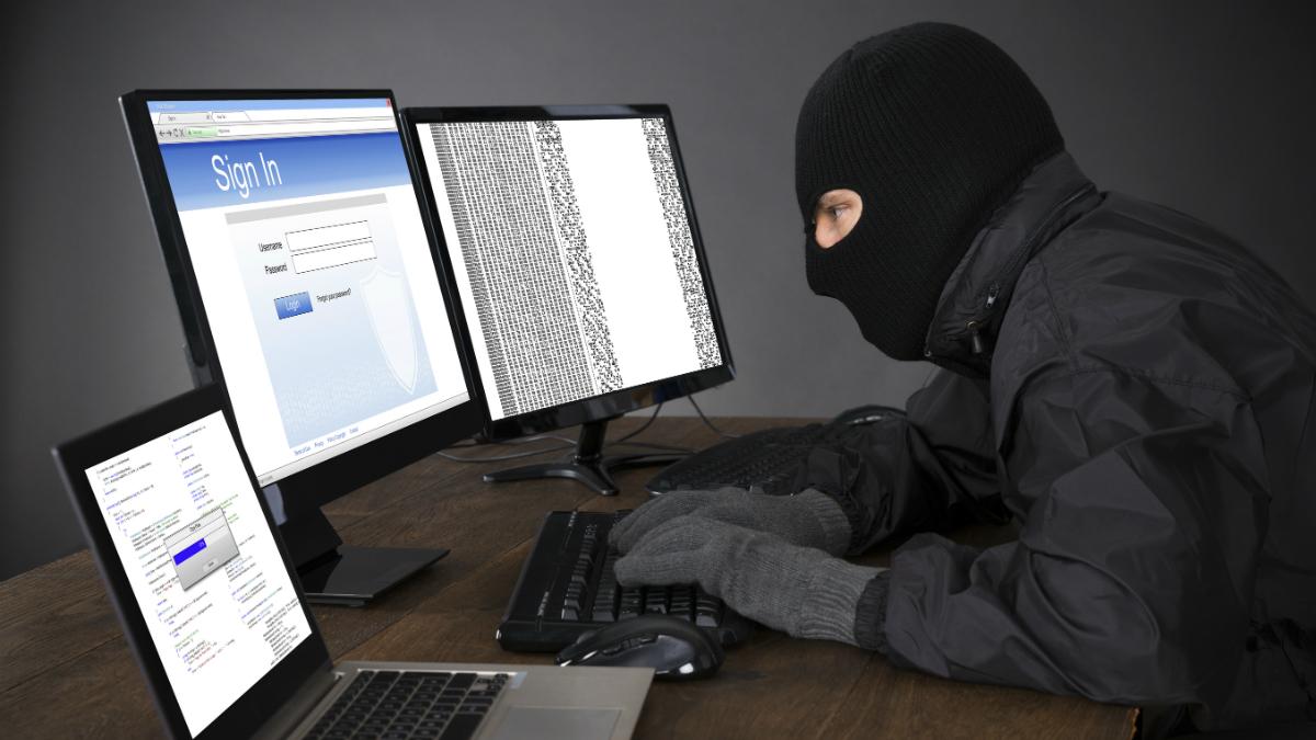 Casi la mitad de los españoles asegura haber sufrido un intento de fraude en compraventas online (Foto: GETTY/ISTOCK).