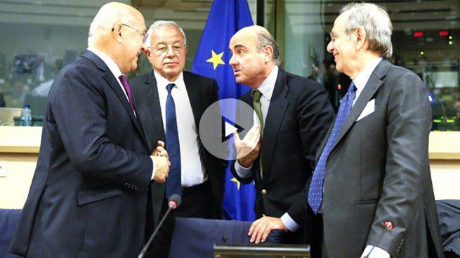 Bruselas rechaza multar a España y le da más tiempo para reducir el déficit público