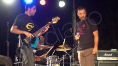El concejal Nacho Murgui con su grupo 'Desechos'. (Foto: FK)
