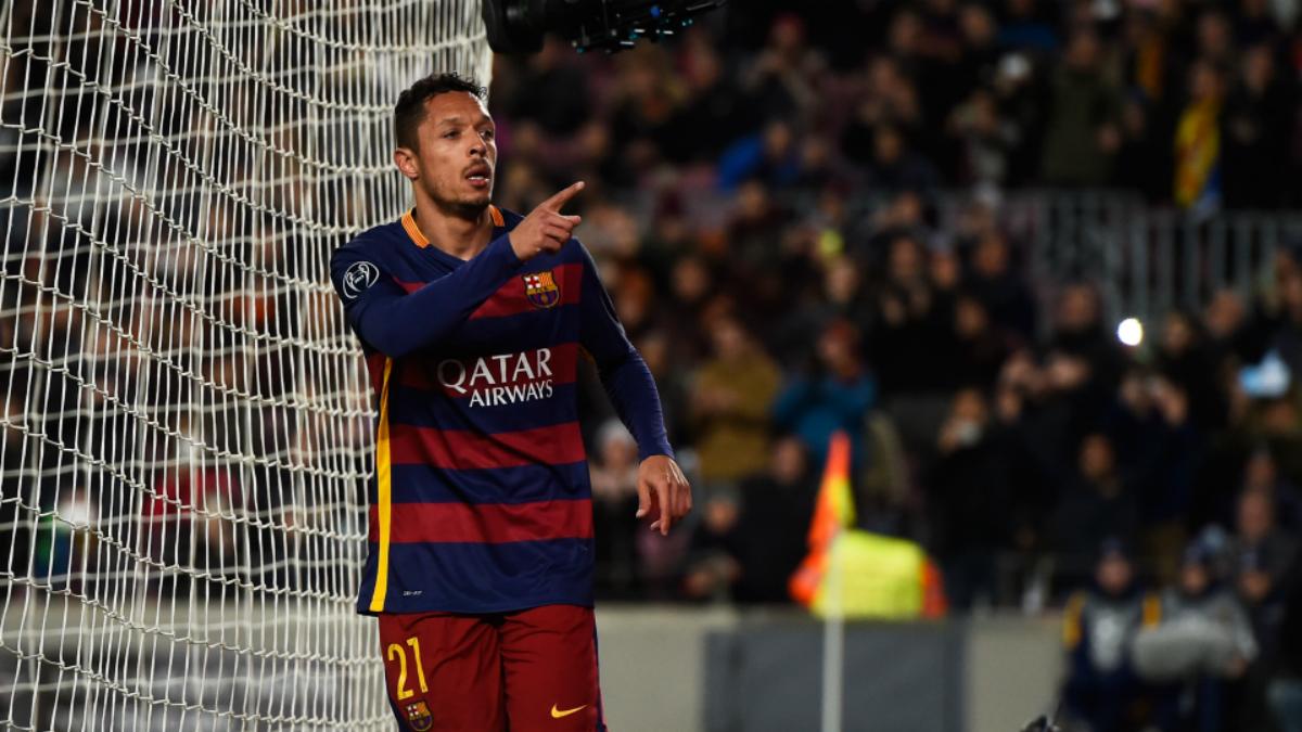 Adriano celebra un gol con el Barcelona. (Getty)