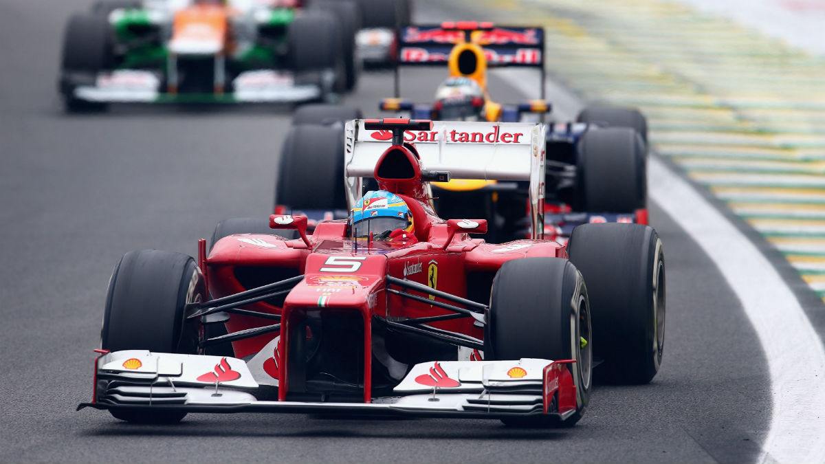 Alonso todavía no ha olvidado cómo perdió el título de 2012 a manos de Vettel. (Getty)