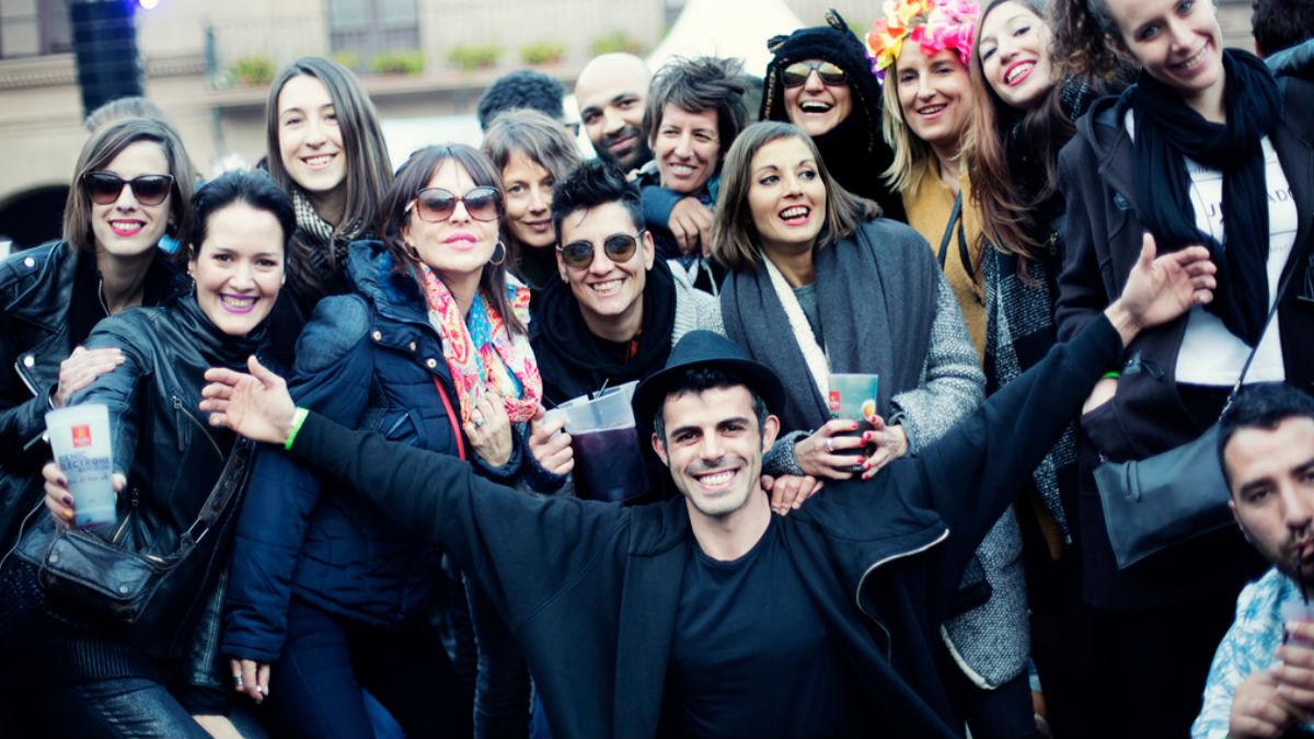 Un grupo de jóvenes disfruta del Brunch – In The Park en su edición catalana. (Foto: Brunch In The Park)