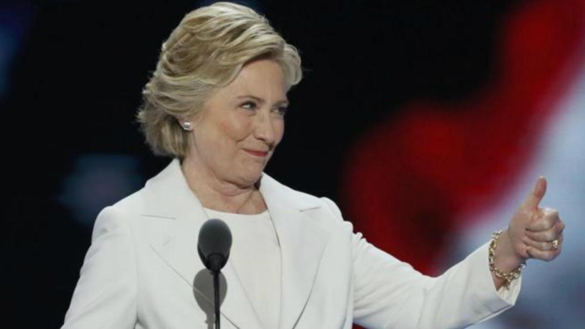 Hillary Clinton, la primera mujer en convertirse en candidata a la Casa Blanca, durante la Convención Nacional Demócrata este jueves. (Foto: Agencias)