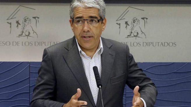 Homs cree que CDC no tiene grupo porque el PP busca el apoyo de C's a Rajoy