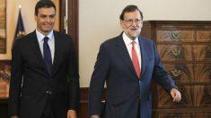 Mariano Rajoy y Pedro Sánchez, en una reunión en el Congreso.