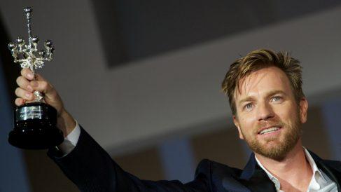 El actor escocés, Ewan McGregor, recibió el Premio Donostia en 2012, en la 60 edición del Festival Internacional de Cine de San Sebastián. (Foto: Getty)
