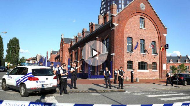 Bélgica: un hombre ataca con un machete a dos mujeres policía al grito de «Alá es grande»