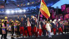 Nadal portó la bandera de España en la ceremonia de inauguración de Río 2016. (Reuters)